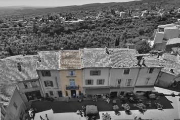 Gordes Place du chateau