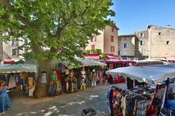 Market day in Gordes